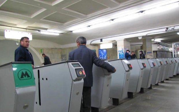Списывает больше: метро нагло ограбило украинцев