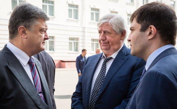 """""""Кого він тільки не зрадив"""": Шокін розкрив виразки Порошенка і детально розповів про корупцію"""