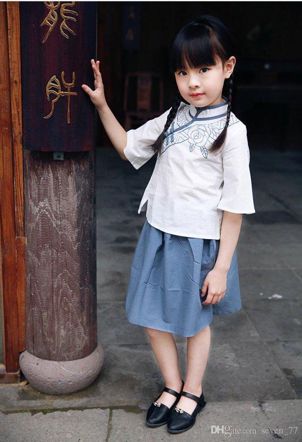 Маленький ангел хранитель: 4-летняя дочь спасла парализованного отца после побега матери. История трогает до слез