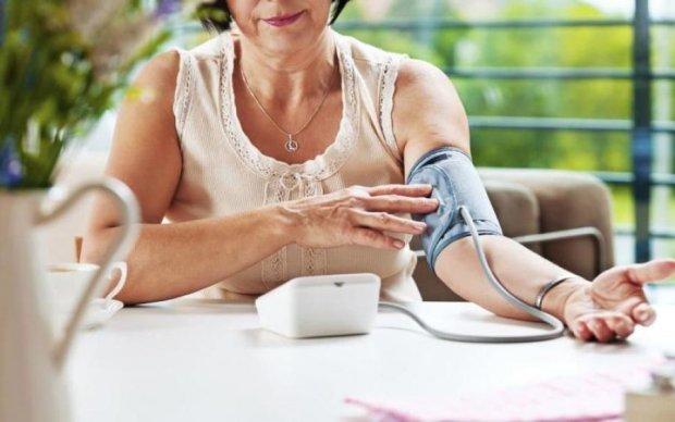 Вимірюємо артеріальний тиск вдома: медики дали інструкцію