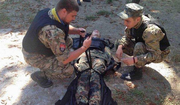«Правый Сектор» обучил одесситов спасать раненых в бою (фото)