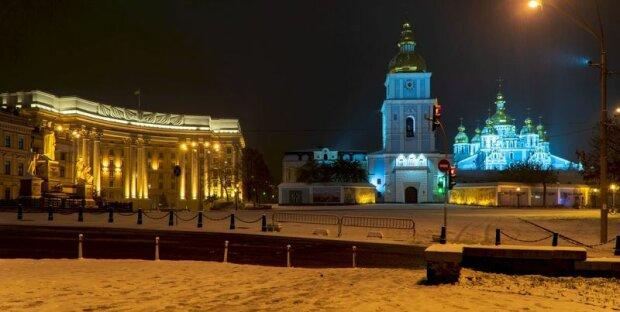 Первый снег в Киеве - фото ночной столицы влюбили украинцев