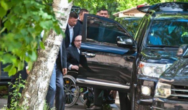 Кернеса евакуювали з зали суду через бійки з міліцією