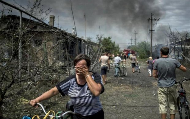 Вибухи, крики, сльози: який Великдень влаштували бойовики жителям Донбасу