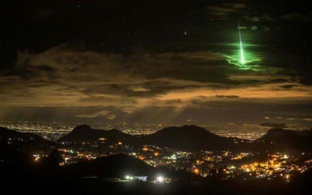 Уникальное явление в ночном небе напугало канадцев