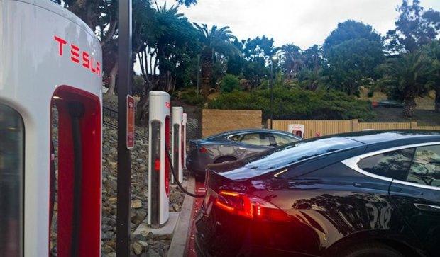Tesla спасла жизнь водителю с инсультом