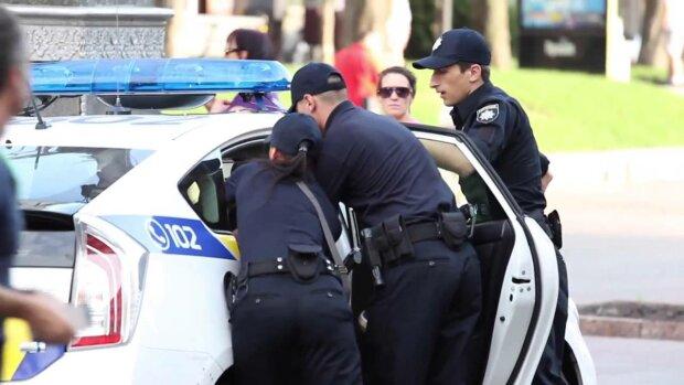 """Франківці записалися в """"поліцейську академію"""": злодієві - по зубах"""