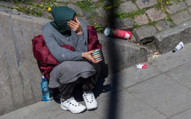 Киевляне поймали на горячем нищенку из центра города