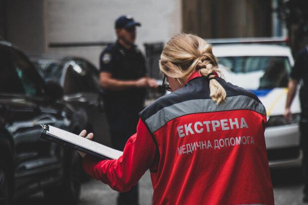 Помер по дорозі в лікарню: трагедія з прикордонником приголомшила Харківщину