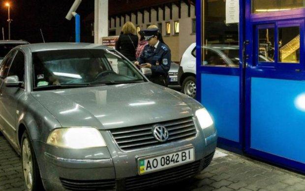 Українських водіїв очікують нові правила в'їзду в ЄС
