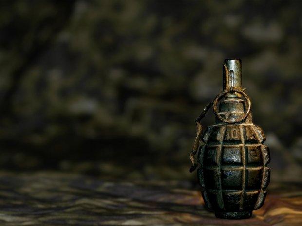 В Артемівську в посилці військового знайшли гранати