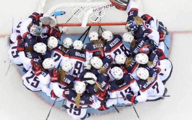 Американські хокеїстки повністю оголилися для відомого глянця