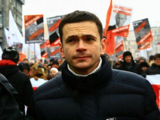 Яшин пообіцяв оприлюднити доповідь Нємцова про війська Росії на Донбасі