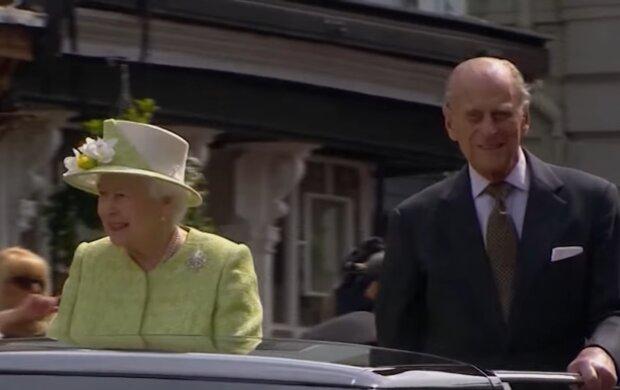Елизавета II и принц Филипп, скриншот: YouTube