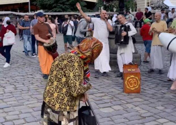 добра бабуся, скріншот з відео