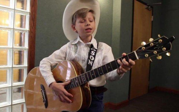 Оце так йодль: співаючий хлопчик прославився просто в гіпермаркеті