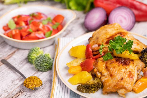 Курка в рукаві з овочами: рецепт, який доповнить будь-який стіл