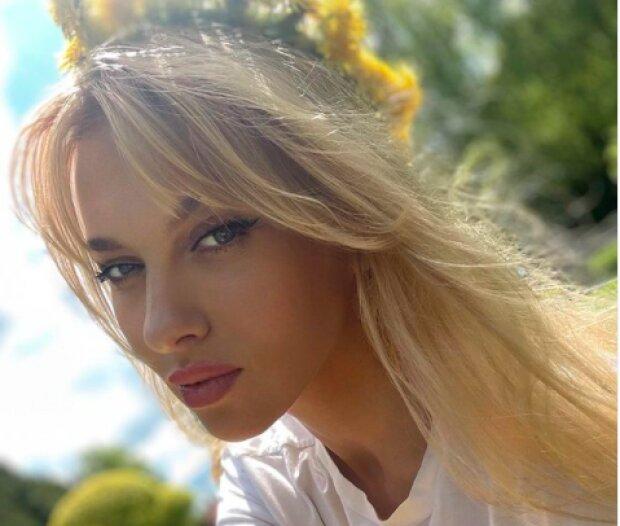 """Оля Полякова дозволила попестити себе на камеру: """"Пробуди королеву..."""""""