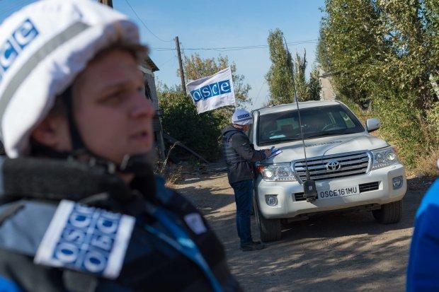 ОБСЄ підтвердила розведення сил у Станиці Луганській: передову покинули разом з озброєнням, невже це не сон