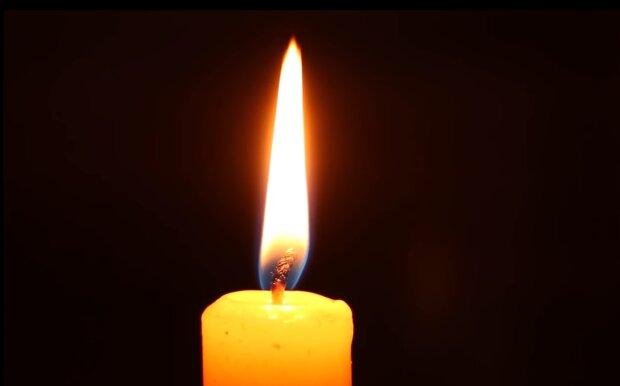 Горящая свеча, кадр из видео: YouTube