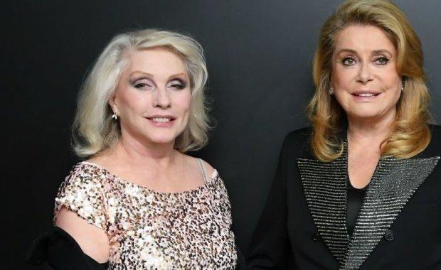 """Катрін Деньов та Деббі Харрі запалили на ювілейному показі """"Денної красуні"""""""