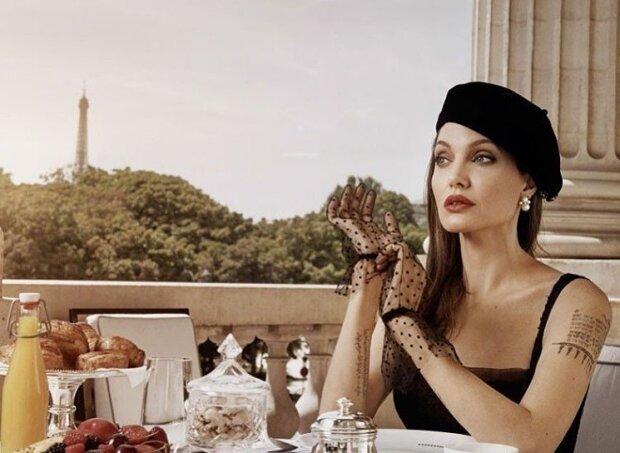 Анджелина Джоли, Instagram