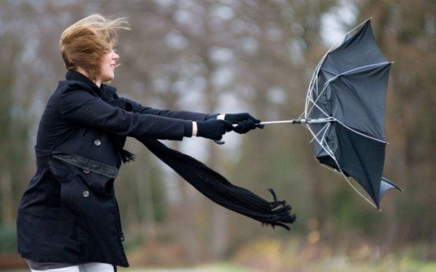 Ураганный ветер: погода проверит украинцев на прочность