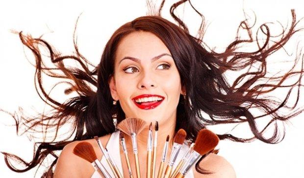 Красота требует жертв: какую косметику лучше выбросить