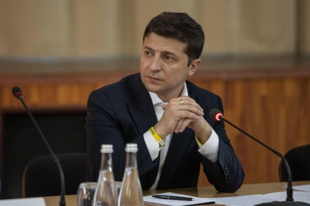 Зеленський відкрив українцям своє життя до найменших дрібниць: один день з життя президента зняли на відео