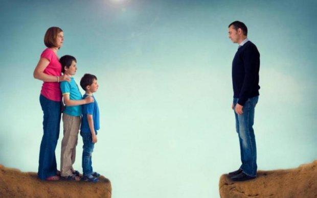 В Україні зміняться правила проживання з батьками