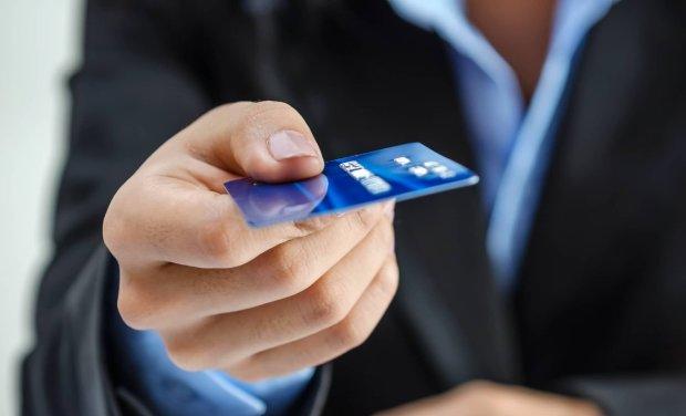 Плюсы и минусы кредитования в банке и МФО