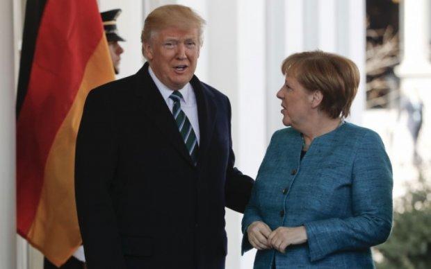 """Трамп попався на """"неймовірну хімію"""" Меркель"""