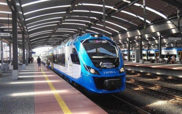 Додаткові потяги на свята: українцям показали розклад