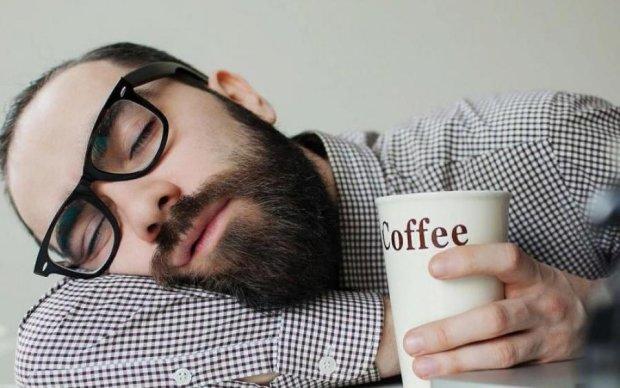 7 лайфхаків, як повернути бадьорість при недосипанні