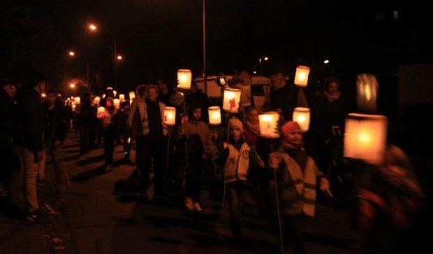 Обесточенные жители Севастополя заблокировали дорогу