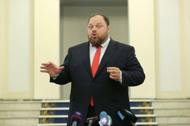 """Стефанчук побачив смаколики навіть у регламенті Ради: """"Це процедурний джем"""""""