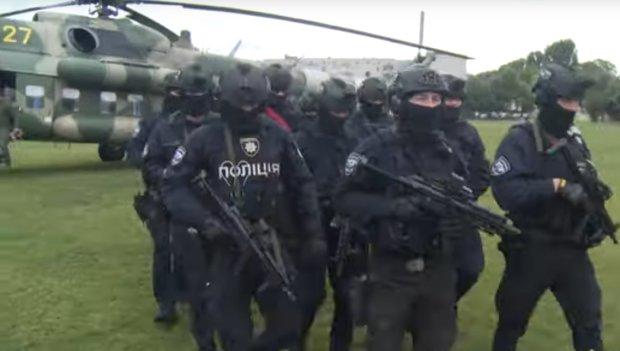 На округ Пашинського терміново вилетів гелікоптер спецназу