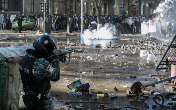 """Кривавий """"Бумеранг"""": штурм Євромайдану показали на відео"""