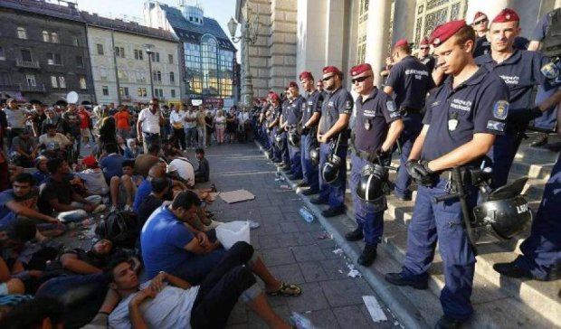 Венгрия будет выгонять эмигрантов - Орбан
