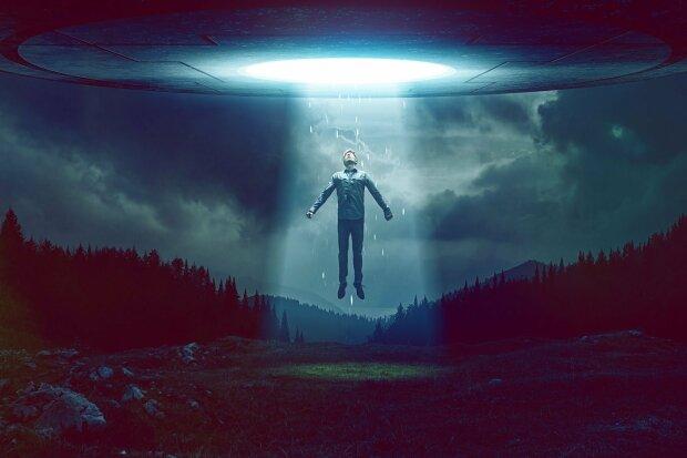 Инопланетяне вернулись на Землю, чтобы забрать своих потомков