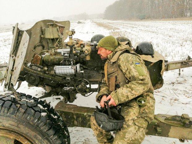 Боевики 10 раз обстреляли украинские позиции, есть раненые