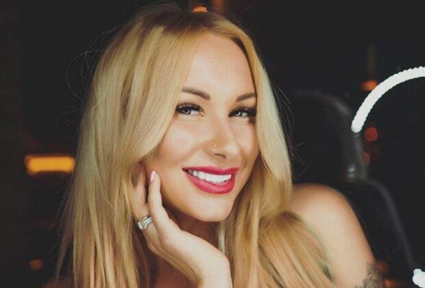"""Дружина екскапітана """"Динамо"""" зізналася, що з нею може переспати будь-хто: """"Потрібно лише…"""""""