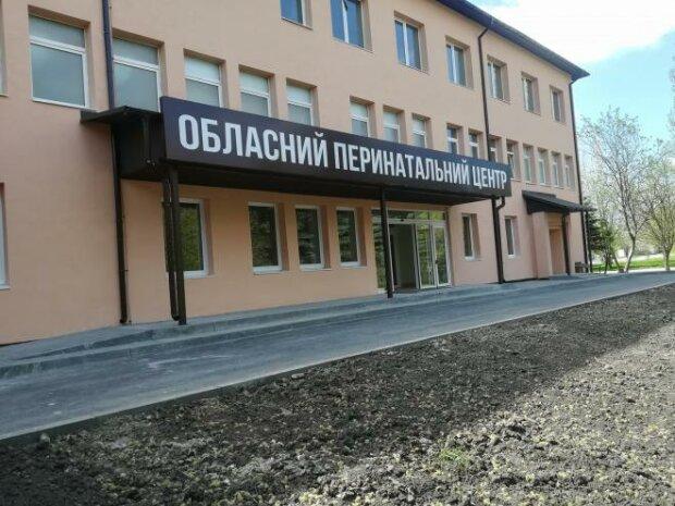 Мама в 12: история с малолетней роженицей во Львове получила трагическое продолжение