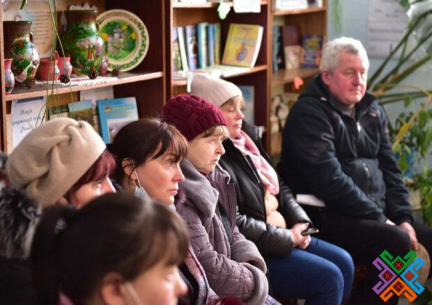 Хмельницкая вышиванка может стать официальным сокровищем Украины: вслед за борщом