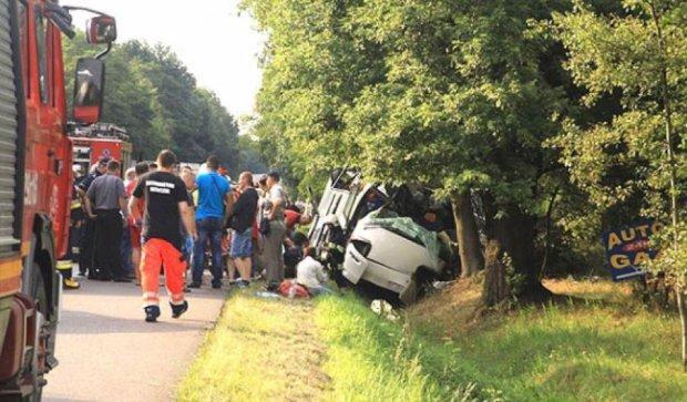 Автобус с украинцами попал в аварию в Польше: есть погибшие