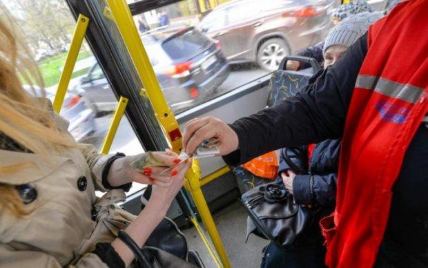 Любимчик соцсетей и пассажиров: киевский кондуктор отметился новым достижением