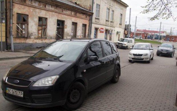 Путінські тітушки замахнулись на життя відомого українця: подробиці