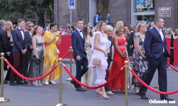 """Одеський кінофестиваль перетворився на фрік-шоу: """"Парад у*обіщних цицьок"""""""