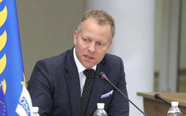 Українські злодюжки показали майстер-клас європейському дипломату