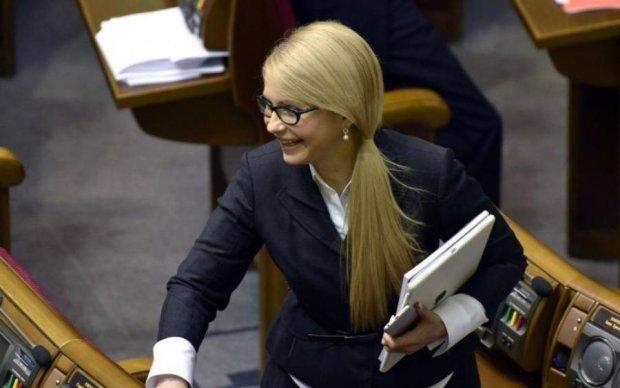 """Тимошенко атаковал """"голый электорат"""": фото и видео"""